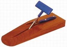 Tafelschaar op houten blok, ronde punt